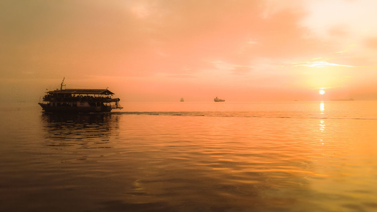 Sunset Sea Tropical Climate Water Reflection Sun Business Finance And Industry Horizon Over Water Tranquility Nature Backgrounds Landscape Outdoors Red Beauty In Nature Thessaloniki Thessaloniki Port  Greece Greek_colours Orange Sea Golden Hour Gold Sea Sunset Ship Greek Boat Beauty