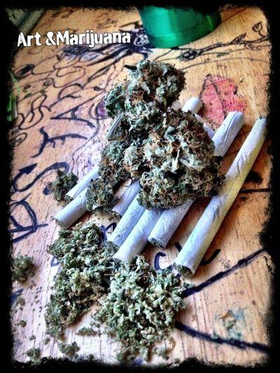 Street Art Smoking Weed Art & Marijuana