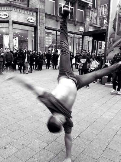 Street Photography Breakdance Awesome Performance