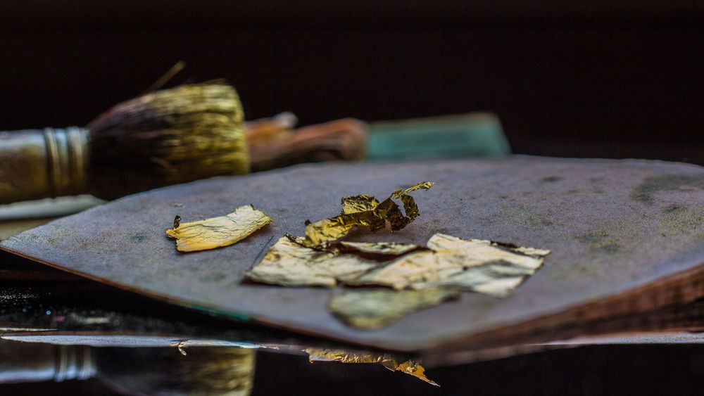 Arts Arts And Crafts Atelier Close-up Culture Day Decorations Decorative Gilding Gold Gold Leaf Gold Leafing Gold Material Gold Metal Goldbeating Hammered Indoors  No People Still Life Thin