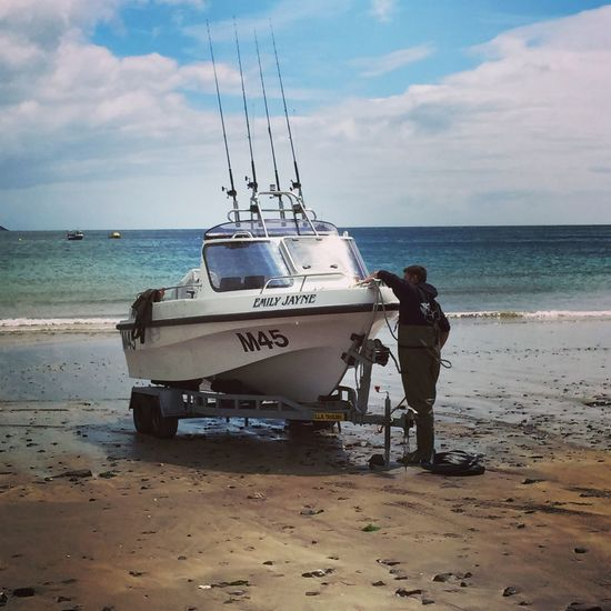 Preparing to sail Pembrokeshire Sailing Boat IPSWebsite Coast June2015 Seaside Beach Water Boating Fishing The Essence Of Summer