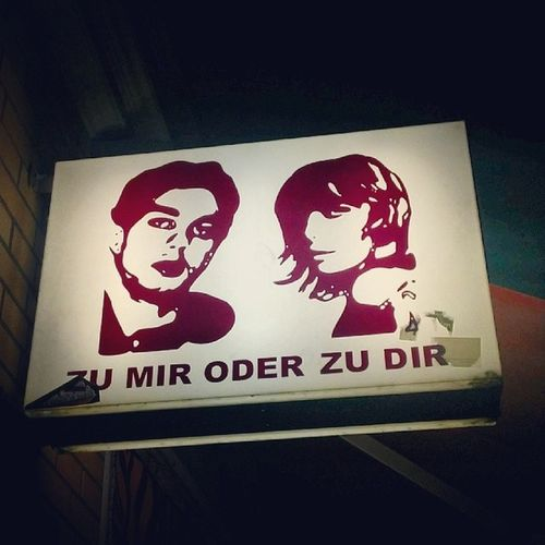 En tu casa o en la mía? Berlin Zumir