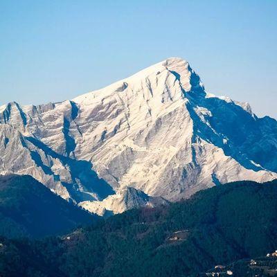 Monte Mountain Monti Mountains montagna montagne alpi alpiapuane apuane sagro vetta cima neve inverno toscana tuscany italia italy altaversilia versilia wonder meraviglia