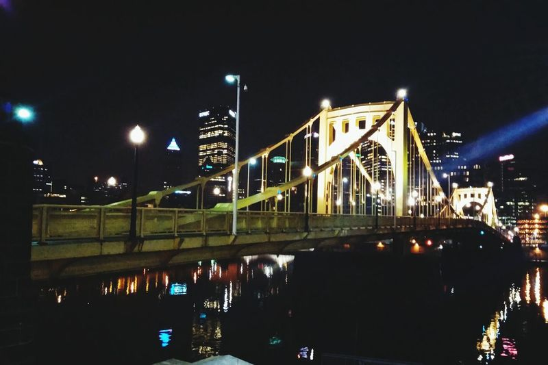 Pittsburgh Downtown Pittsburgh Cityscapes Hanging Out Taking Photos Check This Out Bridges Finding The Beauty Findingthebeauty The Graphic City