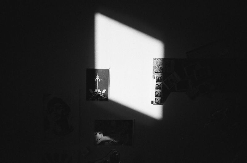 ◽️ #film #yashicaT4 Lightandshadow Indoors  Shadow Home Interior No People Bedroom Technology Architecture
