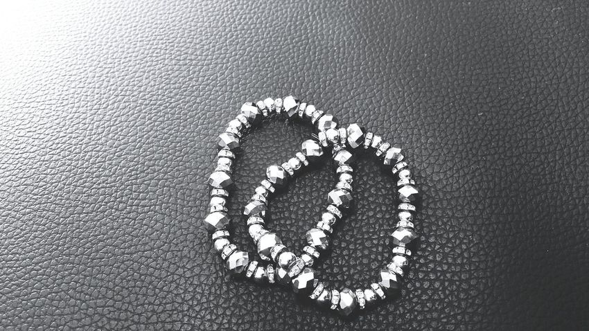 Beads, Black Beads, White Beads, Black And White, Plants, Green Plants, Fresh Leaves, Fresh Plants, Nature, Green Grey Fashion