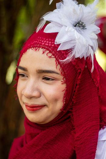 Close-up portrait of smiling woman