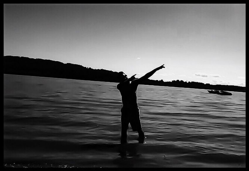 Columbia River Gorge Warrior River Photography Summer Days At The River PNW Life PNW Summers Strike A Pose Messing Around, Having Fun B&w Silhouette Warrior Pose Friends 😇❤️
