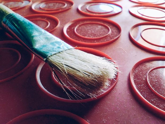 This brush will paint your world a different colour. Just look at it and imagen :-) Paintbrush Close-up No People Red Colour The World Imagination Dream Live Welcome what do you see? Change Bristles Creativity