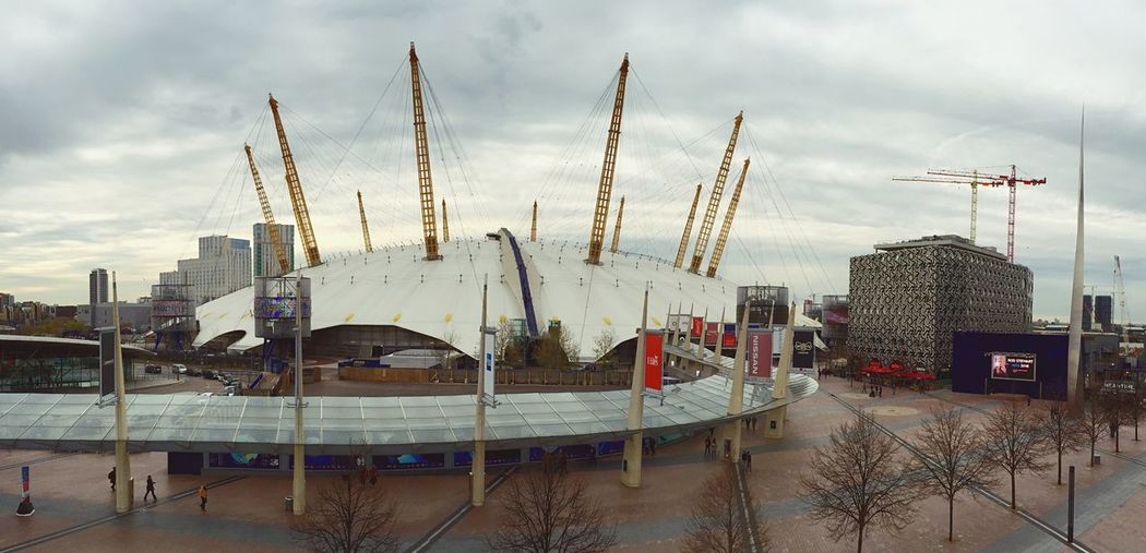 Upstairs at the NOW Gallery has amazing views of the O2. O2 Arena Millennium Dome Greenwich Panorama London Crane Entertainment Concert Art Clouds Gallery The Architect - 2016 EyeEm Awards London Lifestyle Neighborhood Map Postcode Postcards