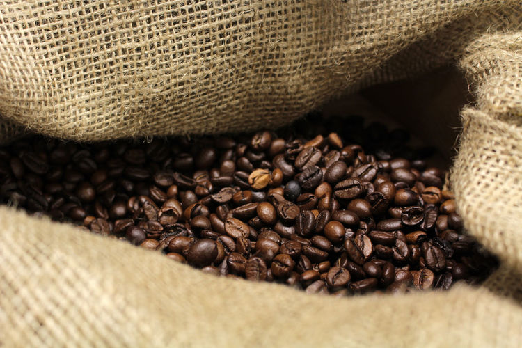Bag Brown Burlap Caffeine Close-up Coffee Coffee - Drink Coffee Beans Drink Food Food And Drink Fresh Coffee Freshness Indoors  Jute Large Group Of Objects No People Roasted Roasted Coffee Bean Sack Still Life Textured  Textured Effect