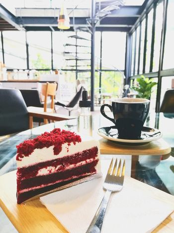 Cake Dessert Food And Drink Sweet Food Indoors  Table Ready-to-eat Freshness No People Close-up Red Berry Coffee Cafe Cafeine Bakery Cafe Hot Coffee Freshness Coffeebreak Delicius Home Made