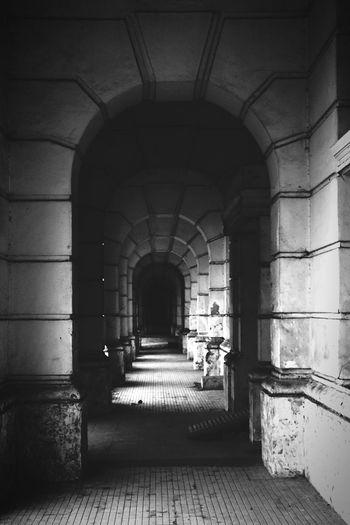 Dark Corridors 📷 First Eyeem Photo Blackwhite Black And White Blackandwhite Photography Black Corridor