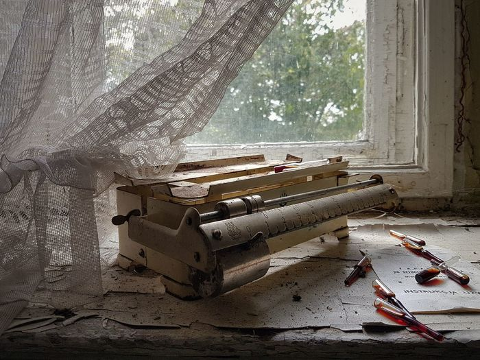 Window Abandoned Buildings Old Scale Still Life