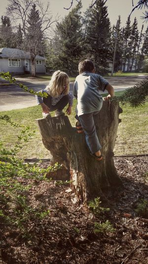 Lil Monkey Childs Play Bestfriends Love ♥ Enjoying Life Hanging Out Taking Photos Relaxing Kids Being Kids Hugging A Tree