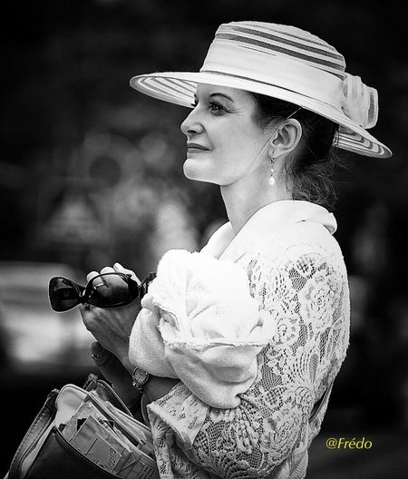 Noblesse One Person Real People Lifestyles Beautiful Woman One Woman Only Praha2017 Beautiful People Women Portrait Side View Side View Of Face. Side View Praha_life The Street Photographer - 2017 EyeEm Awards EyeEm Best Shots Streetphotography Street Photos😄📷🏫⛪🚒🚐🚲⚠ Portraitist- 2017 Awards City Life EyeEm Selects Eyeem Of The Day Eyeemphotography Eyeemoftheweek Eyeemoftheday Beautiful People