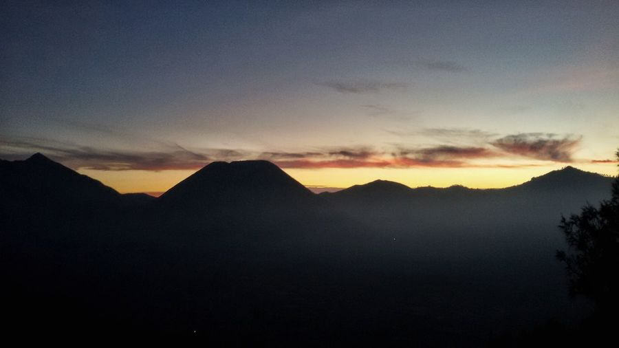 Sunset in Mount Bromo, Indonesia (2017) Silhouette Mountain Sunset Landscape Nature Sky Travel Destinations Beauty In Nature Mountain Top Mountbromo Bromo Sunsets Sunsetporn Sunset_captures Indonesia Scenery Beautiful Place Travelingindonesia Visitindonesia Visitmalang Exploremalang Explorejatim Exploreindonesia Eastjava Eastjavatourism INDONESIA