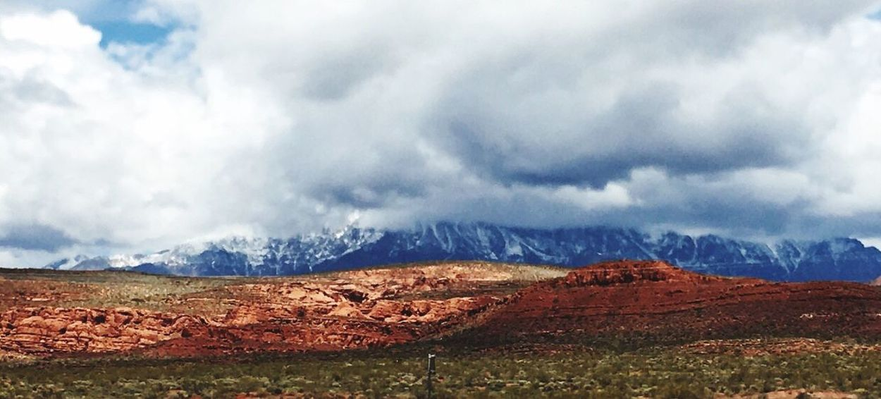 Colour Of Life Sky And Clouds Cloudscape Mountain Range NEVADA, USA!♡ Family❤ IPhoneography Moutain View Godscreation GodsOwnCountry Gods Beautiful Creation Gods Beauty Gods Art