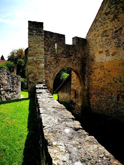 Architecture Built Structure History Day Outdoors No People Old Ruin Sunlight Sky Burg Burgruine Nippenburg Ruin Ruins Architecture Ruins Of A Castle Ruins_photography