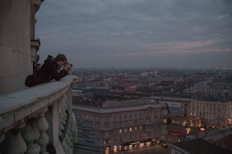 Photographer Real People Cityscape Dusk In The City City View  Moody Budapest Architecture Building Exterior Built Structure City Cityscape Building Sky High Angle View Travel Destinations Place Of Worship City Life Dusk