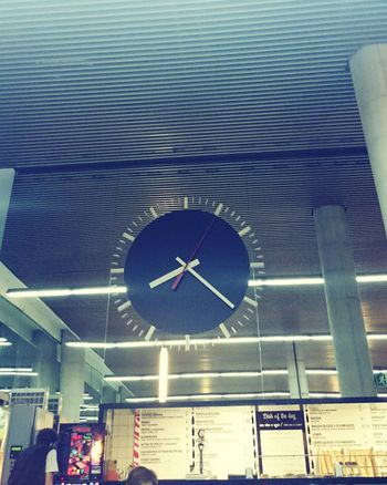 What Time Is It? 😍😌😊 Clock Bus Station Station