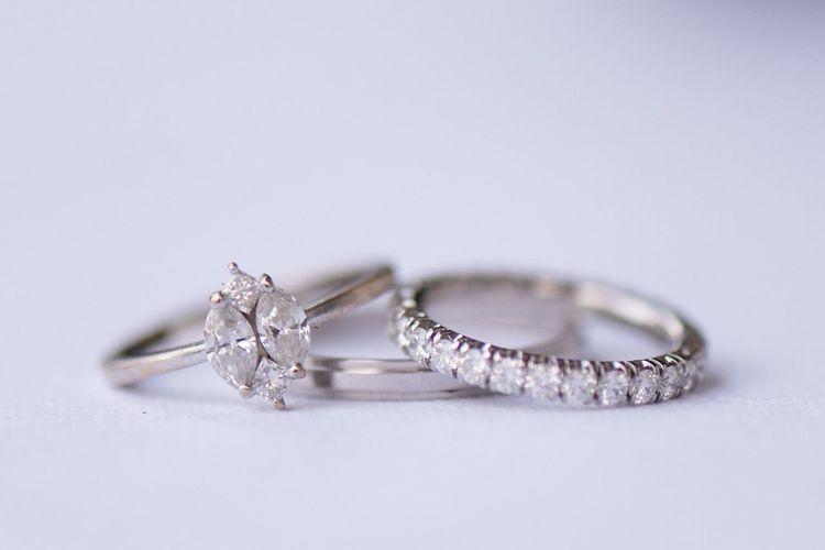 Jewelry Diamond - Gemstone Ring Wedding Ring Studio Shot Close-up Wealth Luxury Still Life Diamond Ring Engagement Ring Celebration Wedding