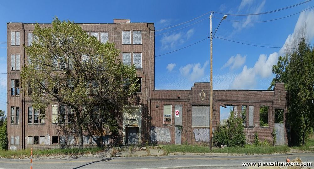 The story of an abandoned factory: http://www.placesthatwere.com/2017/11/victoreen-instrument-company.html Abandoned & Derelict Urbex Abandoned Buildings Abandoned Factory Building Abandoned Places Creepy Cleveland Ruined Abandoned Ohio Ruins Urban Decay Abandoned Building Urban Exploration Abandoned Factory Eerie Decay Architecture Brick Wall Brick Building Brick Damaged Built Structure Outdoors Building Exterior