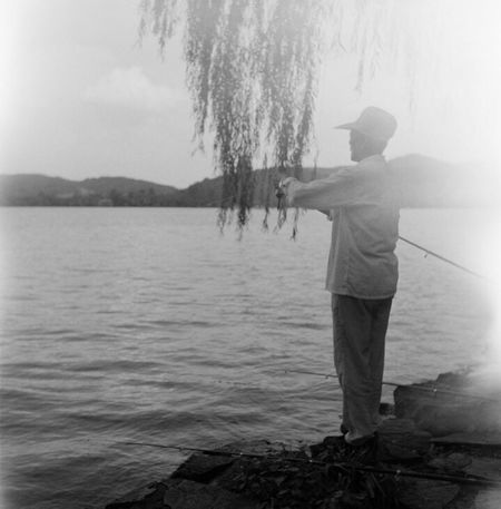 Twin Lens Reflex Hangzhou West Lake Old People Fishing