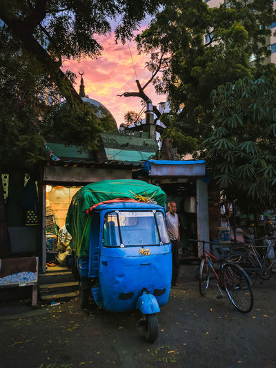 Streets of India. Street Outdoors Tree Outdoor Road Busy Rickshaw Sunset Evening Sun Clouds Streetphotography India People Busy Street