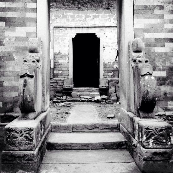 decay within the black rectangle Architecture_bw Monochrome Blackandwhite China