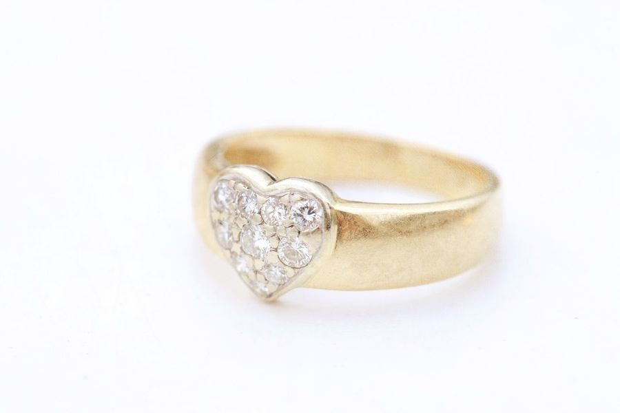 Diamond ring with heart and texture overlay Wedding Ring Textured  Gift Heart Jewellery White Marriage  White Background Jewelry Studio Shot Diamond - Gemstone Ring Cut Out Close-up Engagement Ring Diamond Ring Single Object Wealth Wedding Ring No People Luxury Copy Space Emotion Love