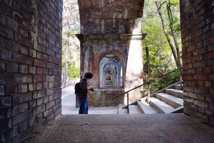 Kyoto Japan Nanzenji Temple Suirokaku Arch Bricks Spring 京都 日本 南禅寺 寺 水路閣 煉瓦 琵琶湖疏水 春 友人撮影
