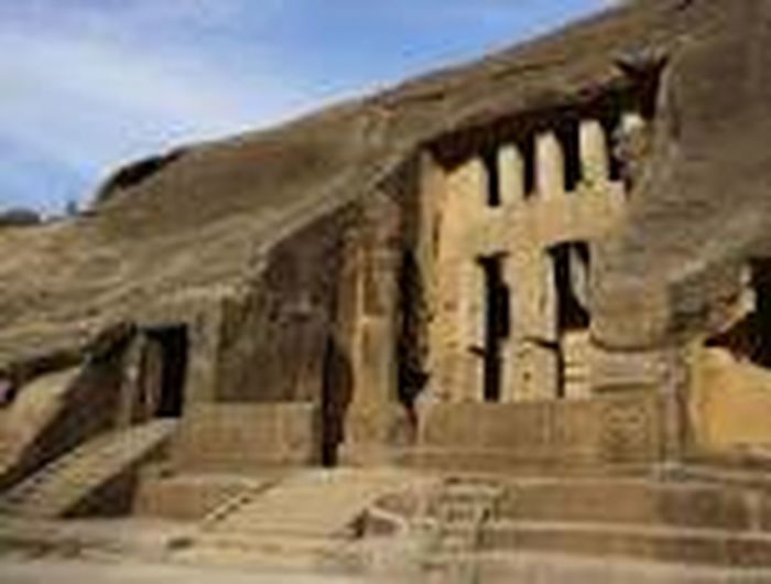 Kanhericaves built in 1st century rock cut monuments History