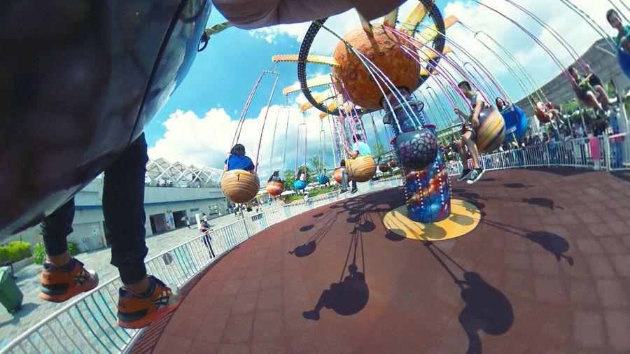 好久沒玩了,還好我心臟還夠力😂😂😂 Amusementpark Ferris Wheel Merrygoround Sky And Clouds So Excited Ricoh Theta360 Hot Day Wishyouwerehere Capture The Moment