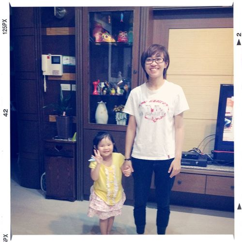 我有新妹妹了? I have a new younger sister? Neigbor Little Girl