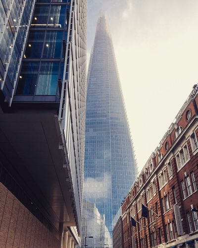 Architecture Built Structure Building Exterior Skyscraper Low Angle View Modern No People City Day Outdoors Tall Sky Theshard Modern Architecture Modern Shard Londonarchitecture