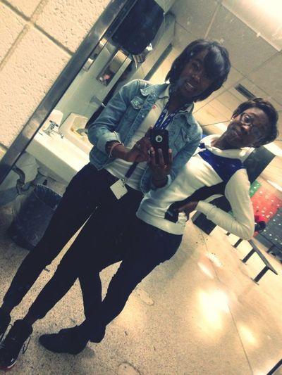 Me &' MY. Bestfriendd Nia ❤.(: