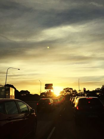 Enjoying The Sun Beautiful Sunset On The Road Enjoying The Sights PhonePhotography Escaping Sydney, Australia