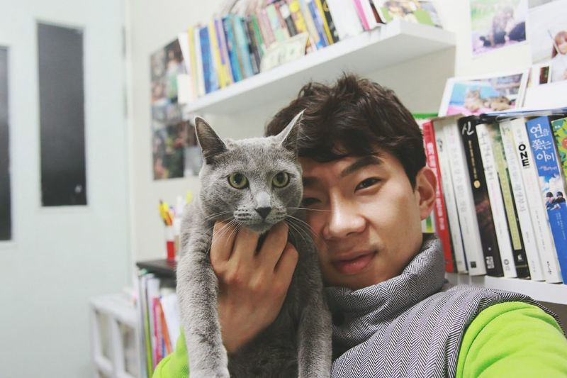 """🙀😾He is saying, """"Do you really need to do this to me~?"""" 😹😹 Russianbluecat My Precious From My Point Of View Eyem Pet Lover Korean Style Selfie Canon Photography Canon 6D With My Cat 漂亮猫 고양이 in Seoul Korea"""