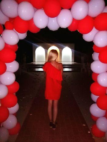 Wedding Weddingphotography Nightphotography Todayphotography Enjoying Life Balloons Red White Pleasefollowme Thisway Myway Eyeemcollection EyeEmbestshots Hungariangirl From My Point Of View