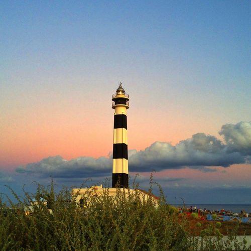 Faro de Artrutx, en la zona de Poniente de Ciutadella!!! Aquí hay un restaurante y unas puestas de sol maravillosas!!! Serie faros 5/6