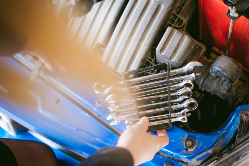 Close-up Day High Angle View Human Hand Indoors  Machinery Mechanic Occupation One Person Real People Work Tool Working Workshop