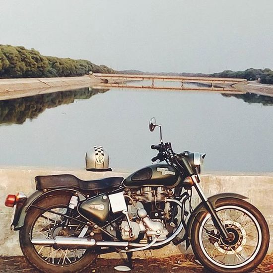 No hours of life are wasted when its spent on two wheels. Royalenfield Matilda VSCO Vscocam Vscogood Travel Rideon RideOrDie Freedom Re