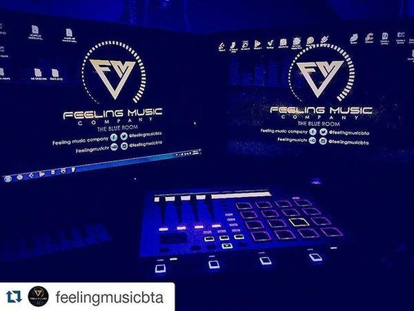 Repost @feelingmusicbta with @repostapp ・・・ Hoy estamos de FIESTA ¡Cumplimos seis años :D! Esto no sería posible sin ustedes ¡Mil gracias! Estamos de celebración y queremos darles a nuestros clientes el 50% de descuento en una producción, pagando la mitad HOY te regalamos la otra mitad. ¡Solo por hoy! Feelingbirthday Feelingmusiccompany Feelingmusicbta Feelingmusic Theblueroom Bogotá Colombia Losjeques Losmejoresdelmundo HappyBirthday @javier_elnene @gangstaman_ @babygmusica @yazzygram @djkonsul @julianrodriguezr11 @moratonanis @ganstervidgroup @senordanis @yosoybabydaddy @maotiofficial @kmiloenjoycol @denixswag @feelingmusicbta @maotiofficial