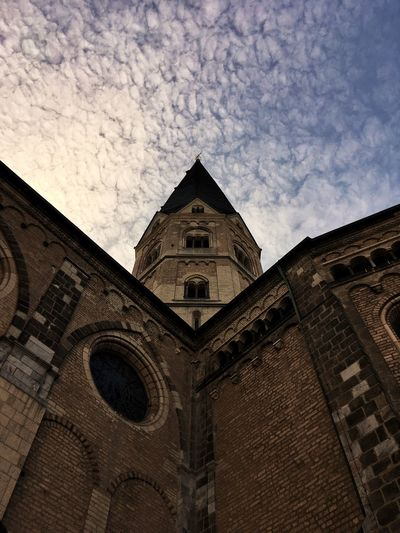 Building Exterior Architecture Built Structure Religion Low Angle View Place Of Worship Spirituality No People Sky Outdoors Day Rose Window Bonn Germany Kirche Church Münster Dom Bonner Münster Architektur Symmetry Symmetrical Wall Church Tower Church Architecture Lookingup