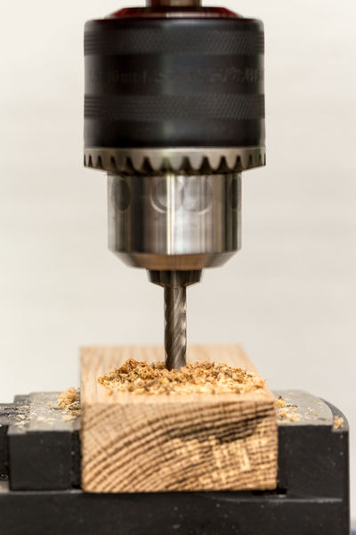 Workshop Boring Socket Chuck Craft Do-it-yourselfer Drill Drill Chuck Drilling Machine Factory Fitter Handicraft Handicrafts Hardware Store Industry Locksmith Mechanical Art Metalworker Shavings Speed To Clamp To Fix Trade Wood - Material Workshops