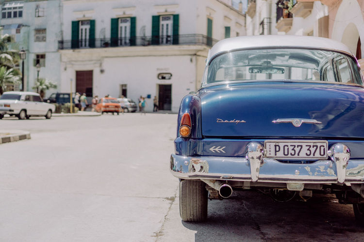 Havana, Cuba Been There. Cars City City Street Cuba Havana Rear View Taking Photos Walking Around Architecture Building Exterior Built Structure Car Close-up Cıty Life Land Vehicle Mode Of Transport Old-fashioned Road Stationary Street Streetphotography Transportation Travel Destinations Vintage Cars