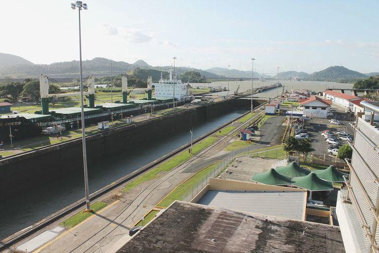 Canal de Panamá. Transportation Bridge - Man Made Structure Outdoors Water No People Canal Panamá Panama City Bridge Ship Cargo Cargo Ship Container The Architect - 2017 EyeEm Awards Neighborhood Map