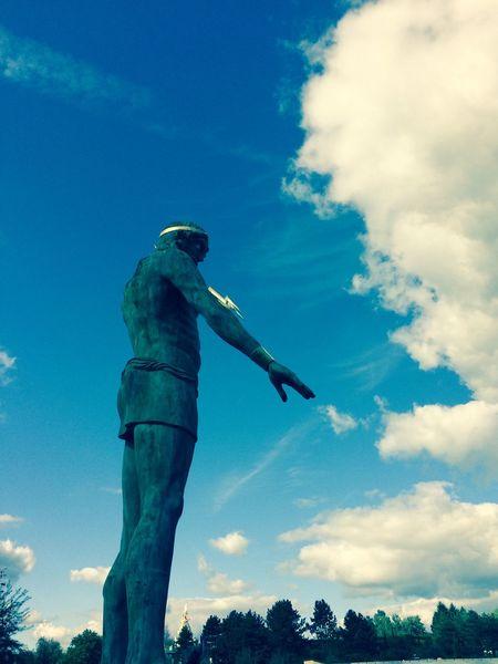 BIG Blue Clouds And Sky Disneyland Paris Forest Statue Sunny Zeus