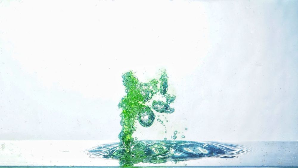 Abstract water Green Color Drop Water Cyberspace No People Close-up Pixelated Day Neweyeemhere NewEyeEmPhotographer Freshness Splashing Water Waterdrops Green Color Drops Drops Of Water Bubbles Bubbles In Water Splash Droplets Wet